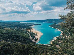 Lac sainte croix dans le Verdon